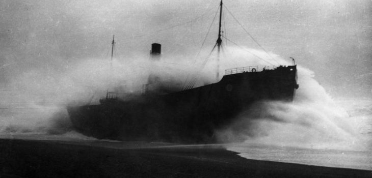 Shipwreck on Loe bar, porthleven cornwalll.